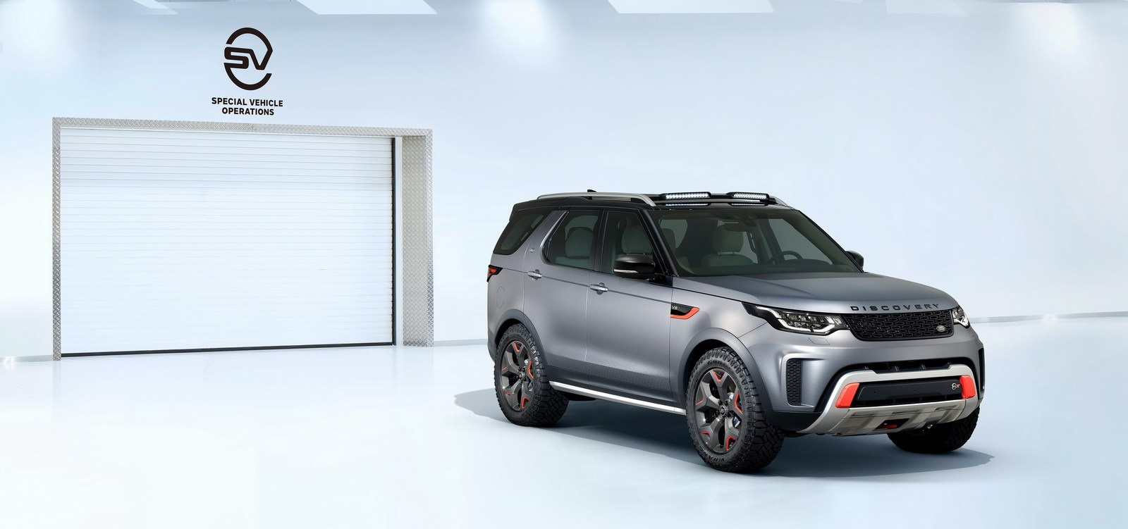 2016 - [Land Rover] Discovery V - Page 6 Land-Rover-Discovery-SVX-1