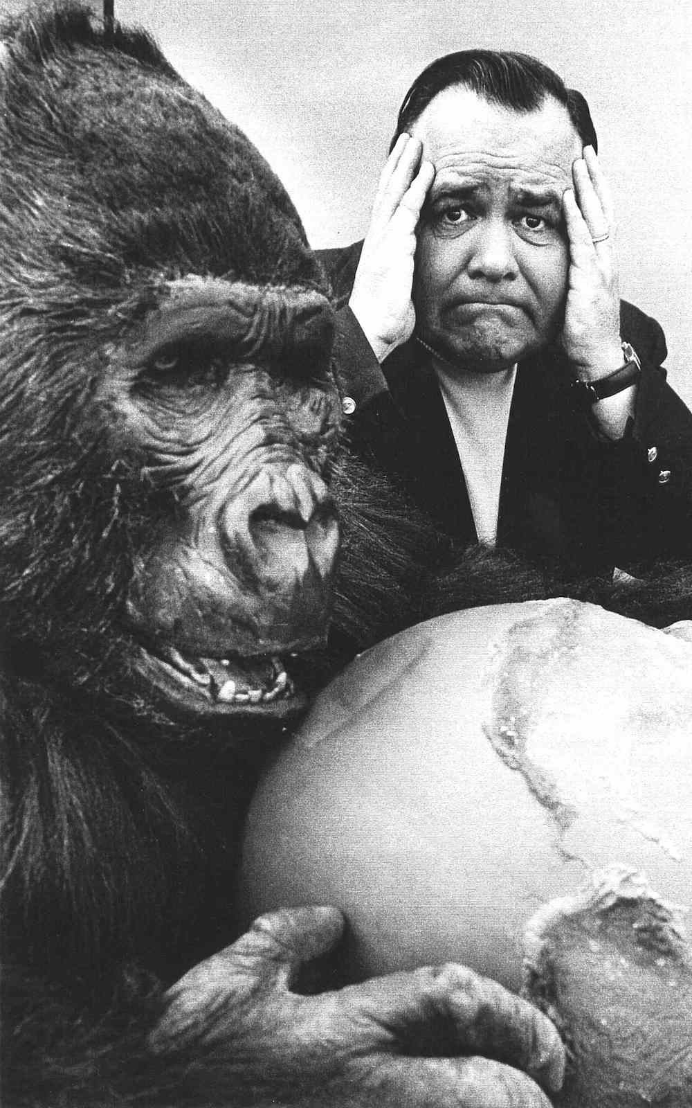 Jonathan Winters, a photograph with a gorilla
