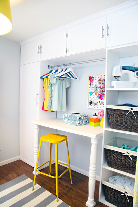 laundry colorful laundry rooms and laundry rooms on pinterest. Black Bedroom Furniture Sets. Home Design Ideas