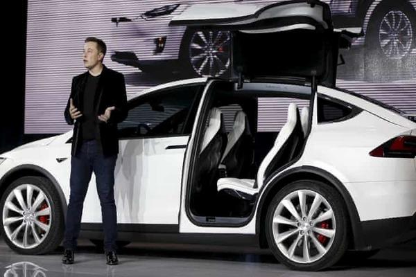 أول رد من إيلون ماسك حول حادثة Tesla Model S المروعة