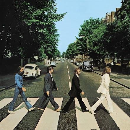 Auf den Tag genau vor 50 Jahren wanderten die Beatles auf der Abbey Road | Die Jubiläums Edition kann vorbestellt werden