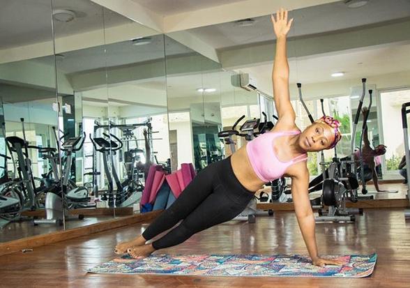 Dakore-Akande-yoga-pose