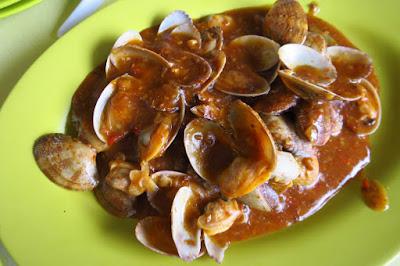 Alan Banana Leaves BBQ Seafood, sambal lala