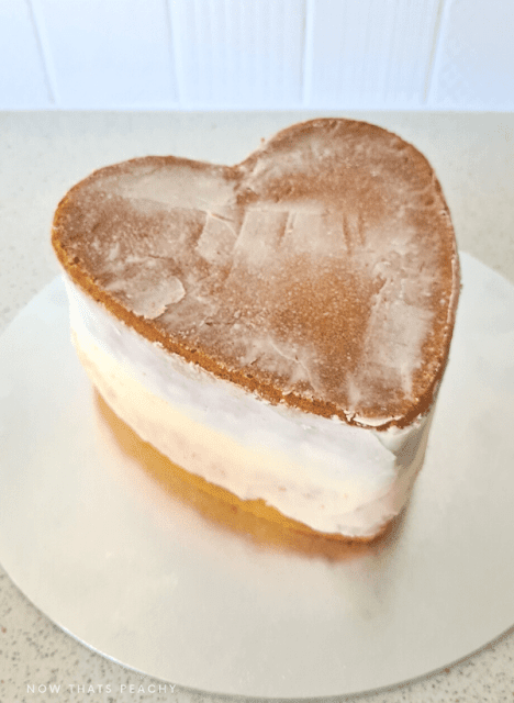 how to crumb coat a heart shaped cake for cake decorating