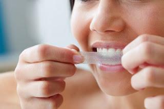 ติดแผ่นฟอกฟันขาว