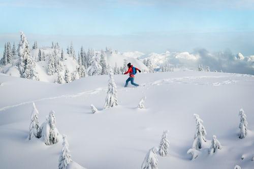 سنتعرف على تفسير رؤية الثلج في المنام للمتزوجة ورؤية الثلج في المنام للعزباء تفسير حلم الثلج للرجل وتفسير حلم الثلج الأبيض الثلج في المنام بشارة خير وتفسير حلم الثلج في الصيف رؤية الثلج في المنام و تفسير حلم الثلج للحامل