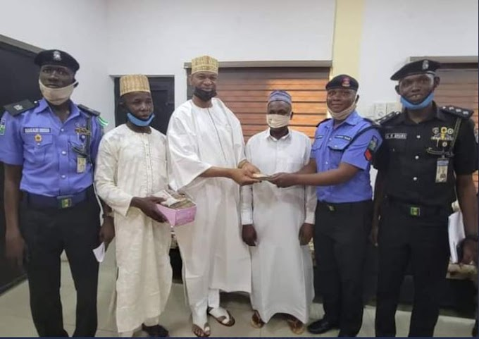 Police Sergeant Returns N1.2m Found At The Scene Of An Accident (Photos)