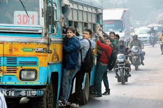 Funny Images Of Indians In Hindi, funny images, most funny images, overloaded public transport funny images