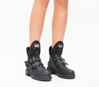 Ghete dama la moda 2019 negre cu catarame si insertii metalice