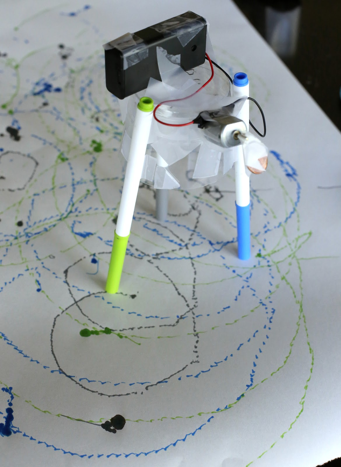 Drawing Machine from Tinkerlab: A Hands-on Guide for Little Inventors
