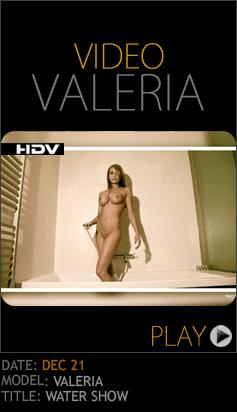 NgjDromh 2012-12-21 Valeria - Water Show 3 (HD Video) 11060