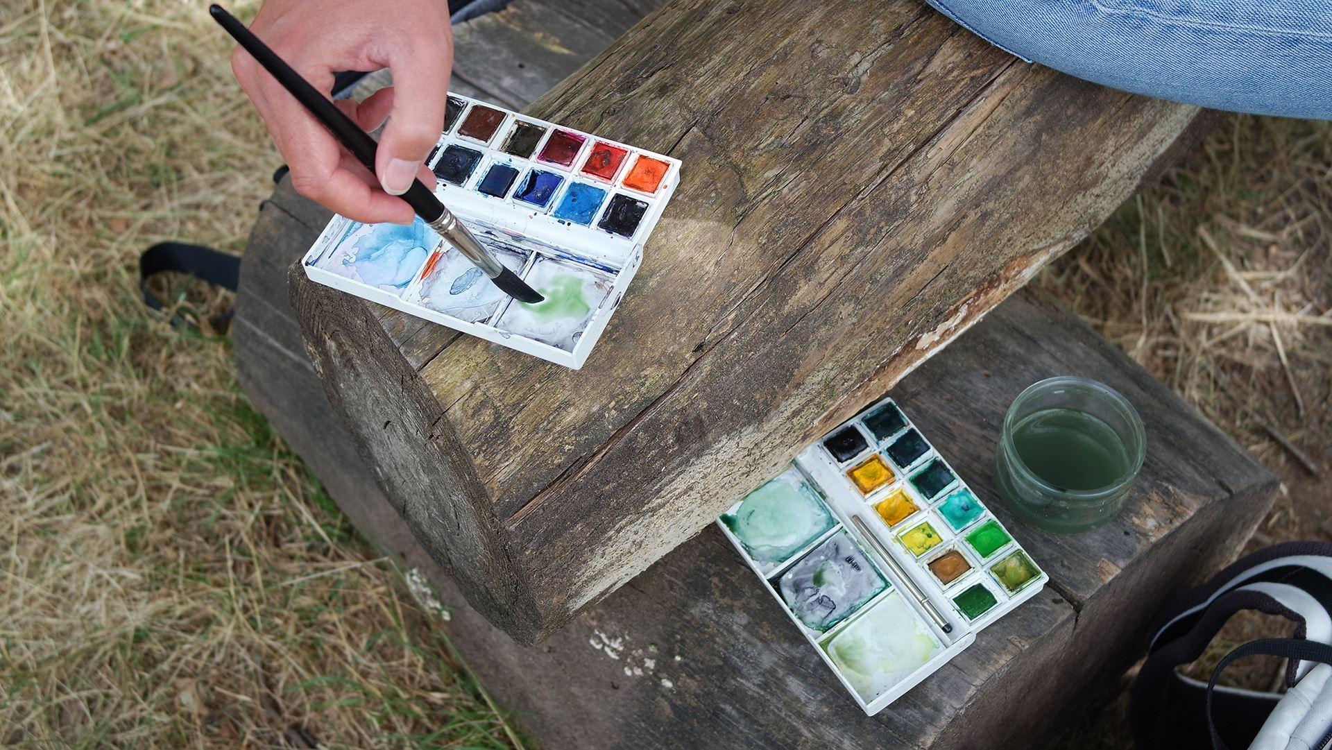 watercolor sketching tools