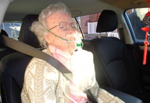 Gegerkan Warga, Nenek Ini Membeku di Cuaca Ekstrim! Ternyata Dia...