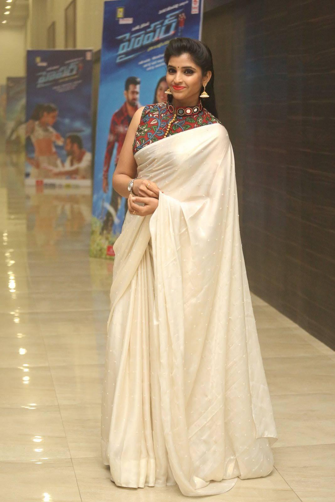 Tv Anchor Syamala Stills At Hyper Theatrical Trailer Launch In Hot White Saree