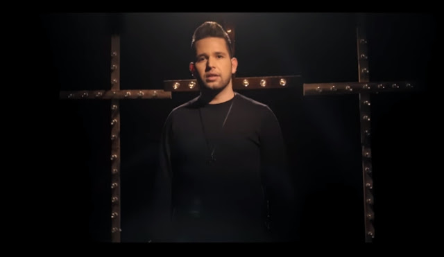 """Pastor Lucas apresenta mais um lyric video: """"Olhe Pra Cruz"""""""