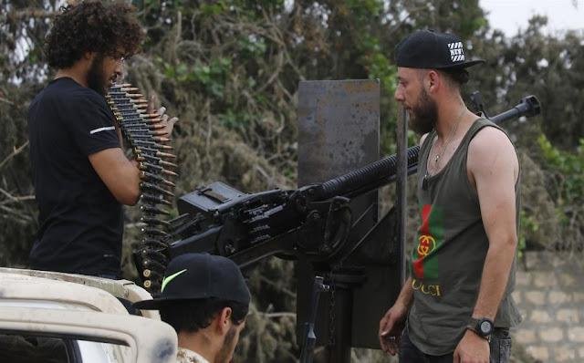 Βερολίνο: Σταματήστε να εφοδιάζετε με όπλα τους μαχητές στη Λιβύη