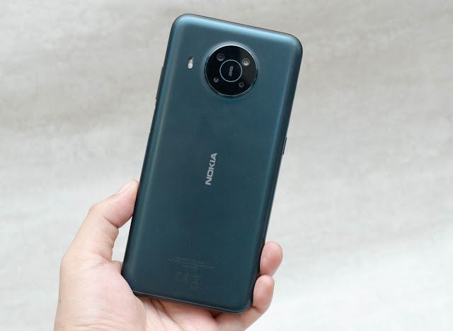 Nokia X10 (7,49 triệu đồng)