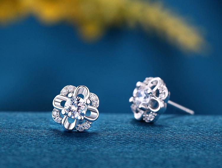 永恆的愛水晶花朵耳環