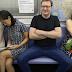 Κλείστε τα πόδια σας! Ανεπιθύμητοι οι άνδρες που «χύνονται» στα καθίσματα του μετρό και άλλων ΜΜΜ (εικόνες)