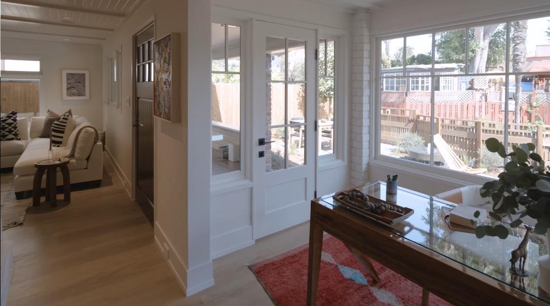 33 Interior Design Photos vs. 929 Nowita Pl, Venice, CA Luxury Home Tour