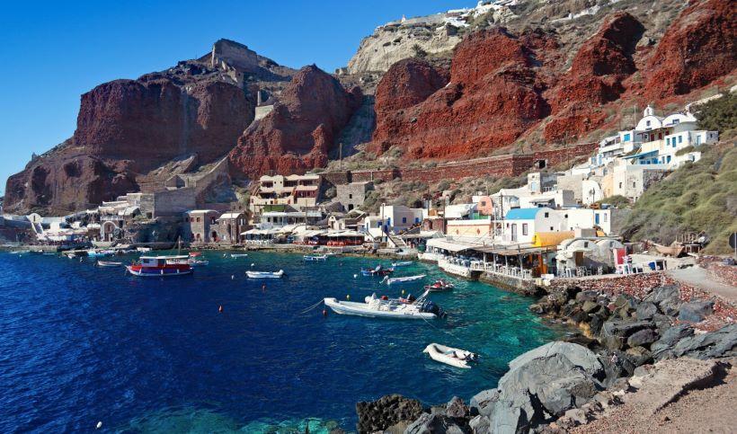Ammoudi port in Santorini - Ioanna's Notebook