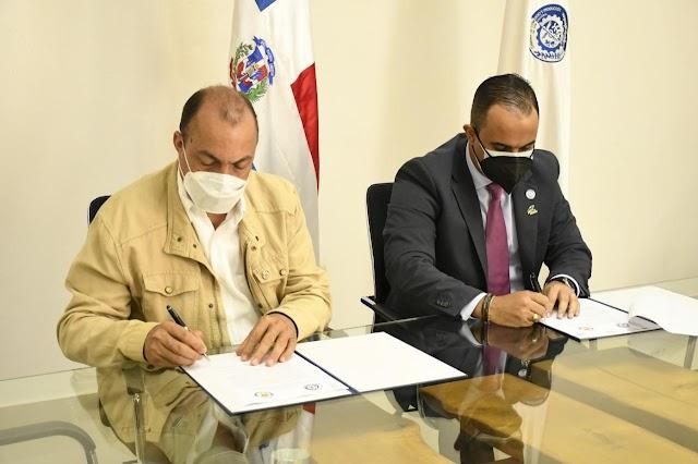 Cámara de Comercio y Producción de San Cristóbal y Centro Mipymes Loyola firman convenio de cooperación