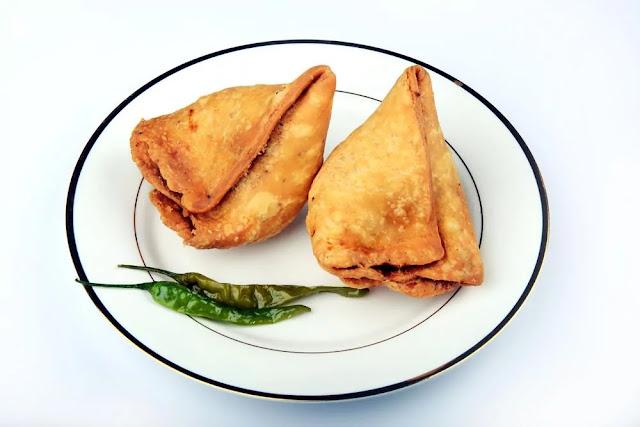 Aloo Samosa Recipe in Hindi