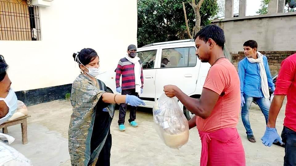 मोहनपुर के मुखिया द्वारा कोरोना वायरस को लेकर लगातार चलाया जा रहा जागरूकता अभियान