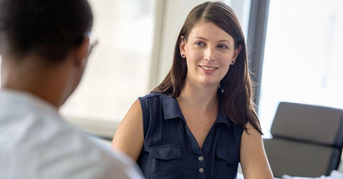 تخصص إدارة الأعمال هو الأكثر طلباً