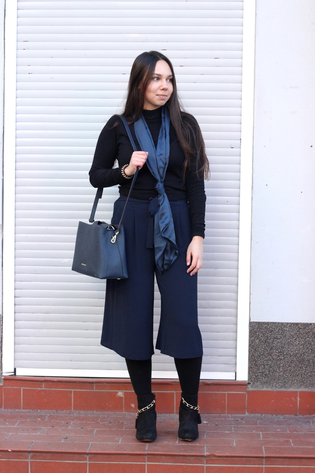 culotte mit schal in navy