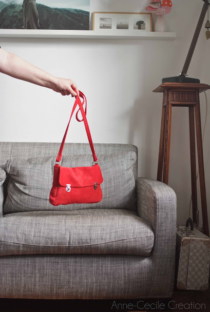 sac à main bandoulière cuir  rouge daim