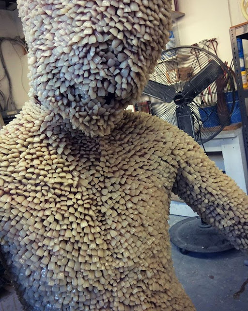 tooth statue