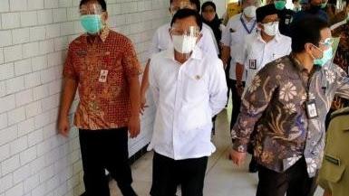 Menkes: Tak Ada Lagi PSBB di Surabaya Raya!