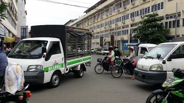 Tráfico en Mandalay