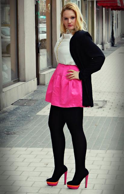 różowa-spódniczka-mini