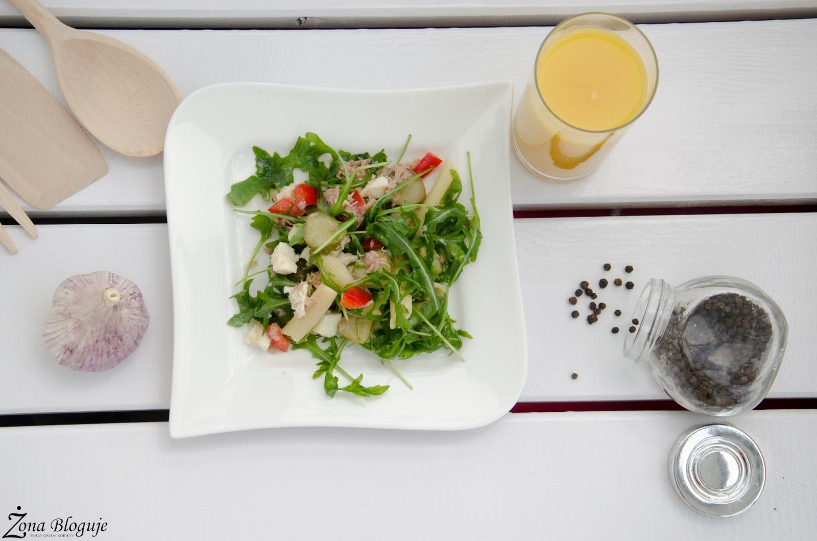 Mój pomysł na obiad w upalny dzień, czyli sałatka z tuńczykiem