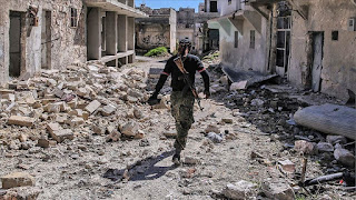 تواصل الاشتباكات في إدلب والنظام السوري يوسّع من سيطرته