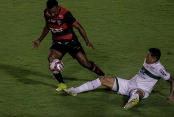 Vitória empata com o Coritiba e segue no Z-4