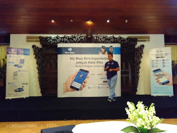 Menjelajahi Kota Surabaya Dengan Aplikasi My Blue Bird