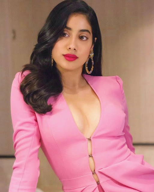 Janhvi Kapoor Photos