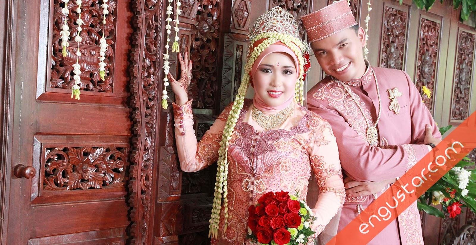 Foto Wedding Dg Dekorasi Pernikahan Outdoor Di Yogyakarta: Foto-foto Pernikahan Purnomo+Widelia Ika Putri @TBS Solo