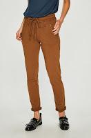 pantaloni-de-firma-femei-1