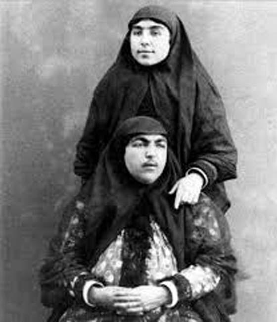 Puteri Esmat Al-Dowleh, Menjadi Kegilaan Ramai Sehingga 13 Pemuda Bunuh Diri
