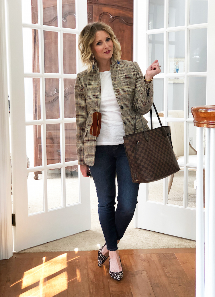 plaid blazer with skinny jeans and leopard heels