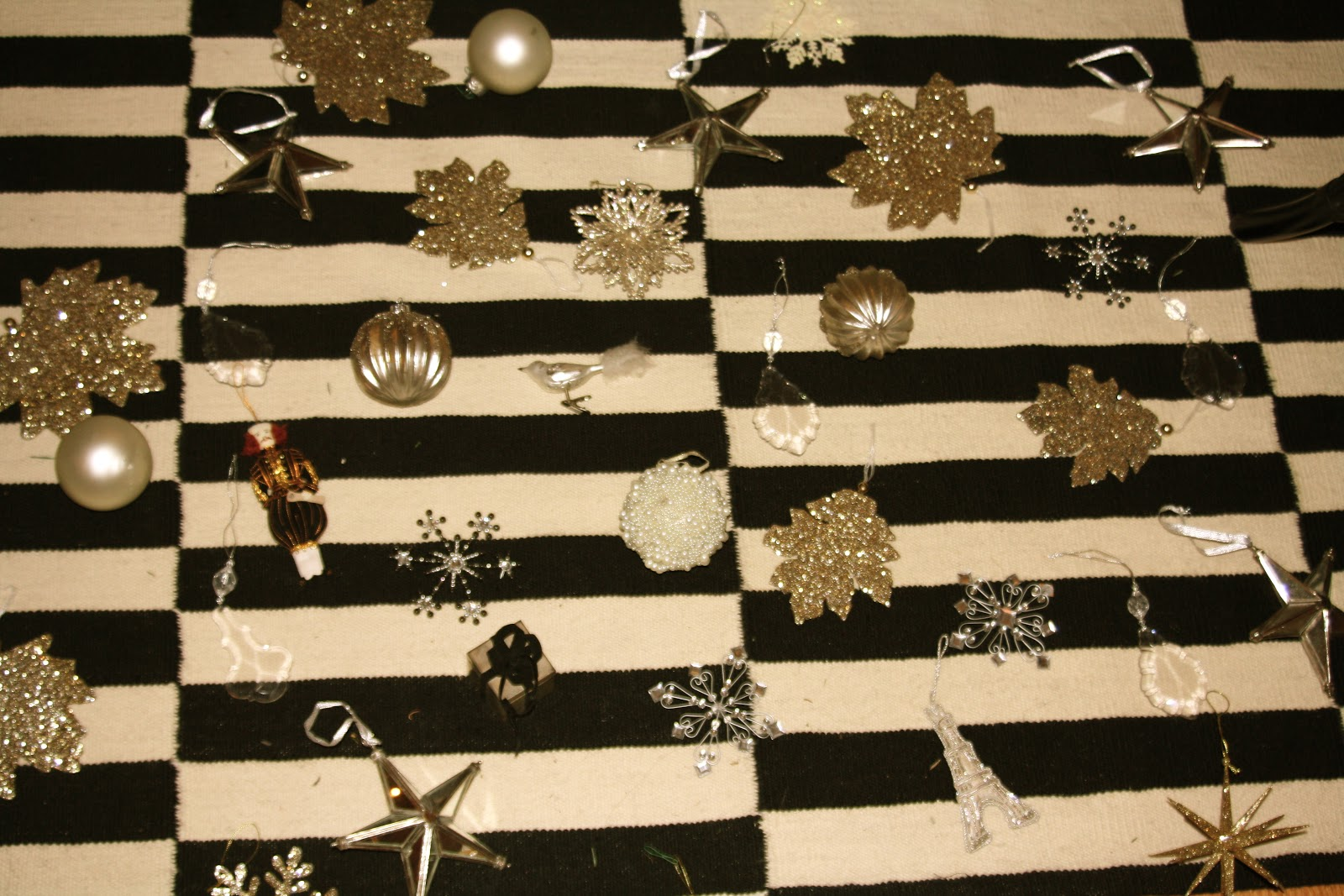 gold, white and silver design scheme for Christmas tree ornaments