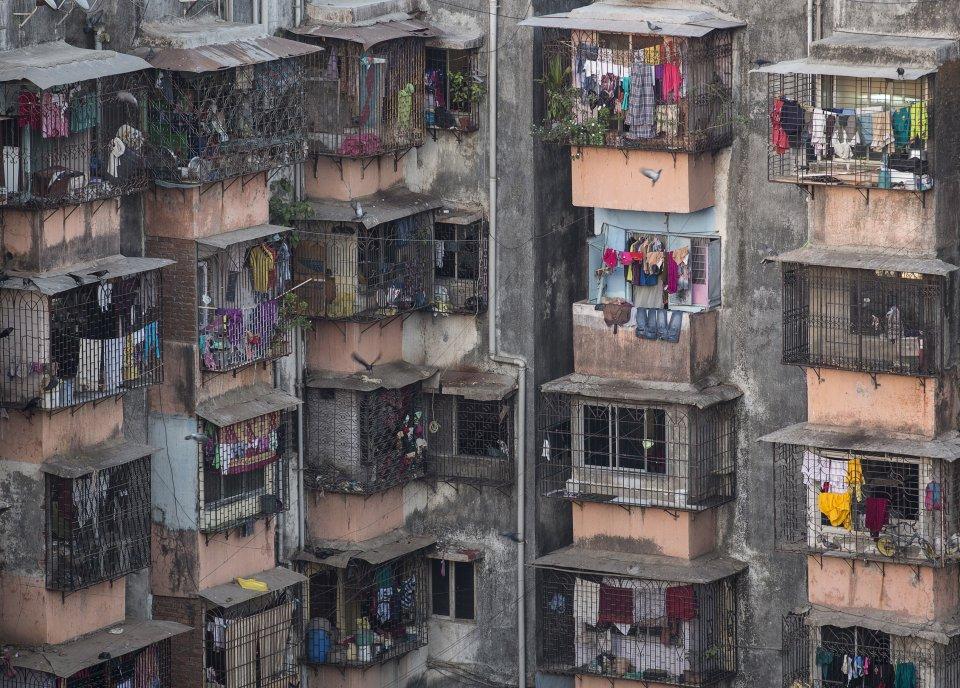 Hasil gambar untuk tempat tinggal orang miskin india