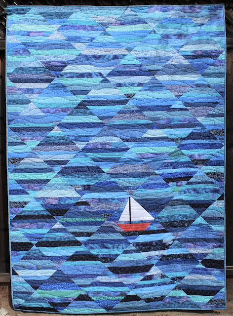 Seafarer quilt and pattern by QuiltFabrication