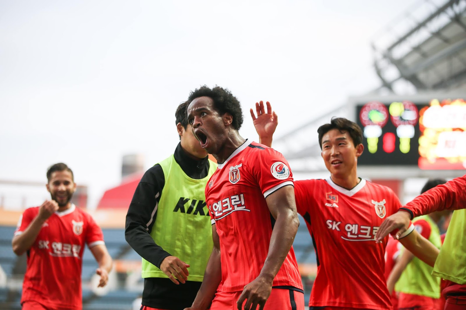 Magno scoring against Incheon United 11.02.19