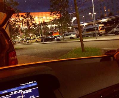 Sommer Flughafen Taxi Terminal 2
