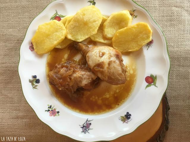 pollo-guisado-con-cebollas-y-coñac-o-brandy